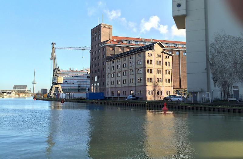 Münster Hafen mit Blick auf Flechtheimspeicher
