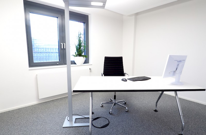 Office 4 - 7